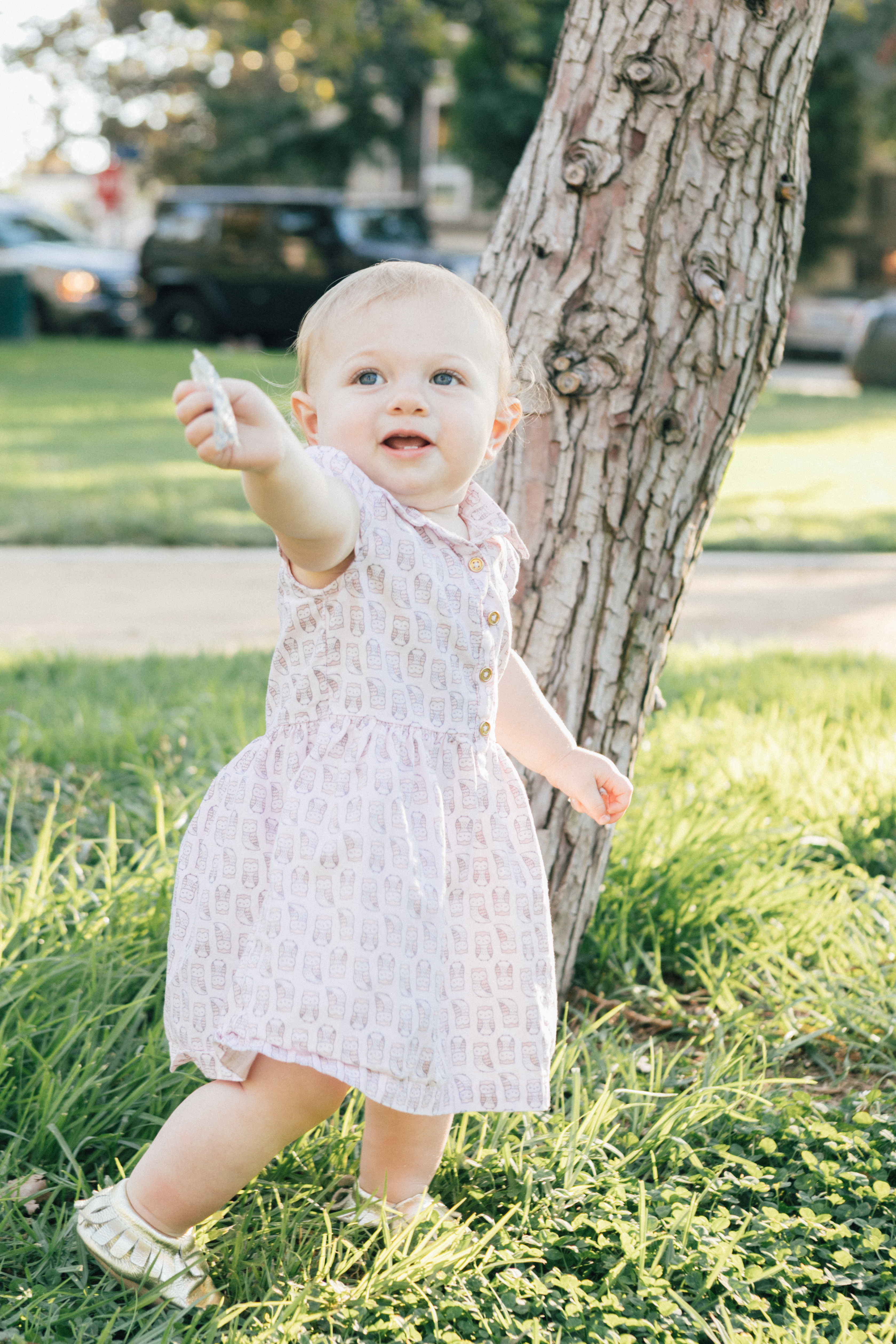 Los Angeles Blogger, RELish By Arielle's daughter wears a Target pinkn baby girl dress